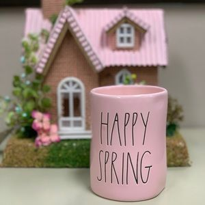 """RAE DUNN """"Happy Spring"""" candle"""